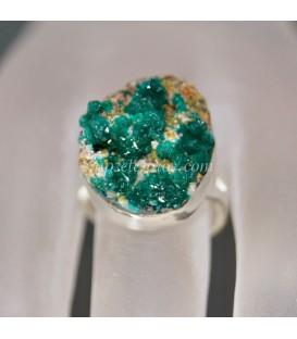 Bellísimas Dioptasas en exclusivo anillo de plata de ley ajustable