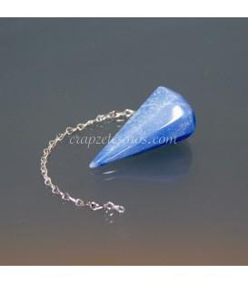 Cuarzo azul tallado como péndulo para radiestesia