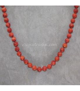 Coral manzana en collar con nudos entre capa pieza y terminaciones de plata de ley