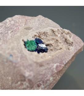 Azurita cristalizada sobre matriz de Marruecos.