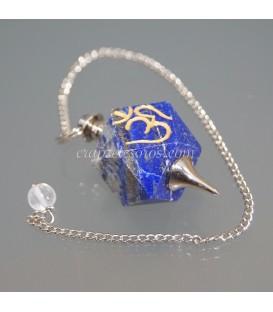 Lapislázuli con el signo OM grabado en péndulo con cadena