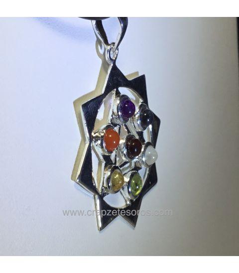 Colgante chakras estrella de David con 9 triángulos de metal plateado