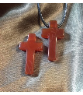 Cornalina talla cruz en colgante perforado