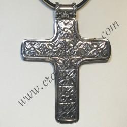 Gran Cruz de plata de ley con nueve motivos florales