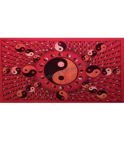 Precioso Ying Yang estampado en tapiz de algodón de la India.